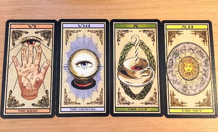 ディヴィナーレ:カードを出す