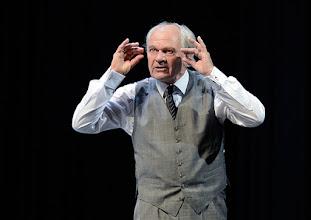 """Photo: WIEN/ Theater in der Josefstadt: """"VOR SONNENUNTERGANG"""" von Gerhard Hauptmann. Premiere 3.9.2015. Michael König. Copyright: Barbara Zeininger"""