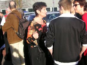 Photo: Die Geburtstagsjubilarin Lotti Schaffner bergrüsst die Gäste