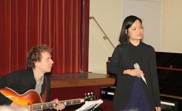Photo: Durk Hijma, jazzguitar met Alice Zulkarnain, zang