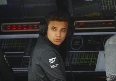🎥 F1-rijder Lando Norris verrast kinderen door hen naar school te brengen in razendsnelle McLaren-bolide