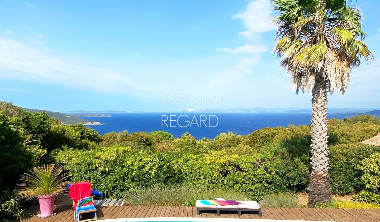 Seaside property with pool Ile du Levant