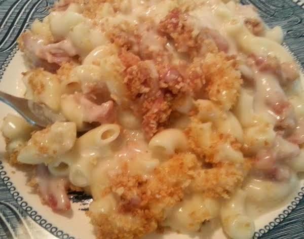 Gouda Macaroni & Cheese With Bacon