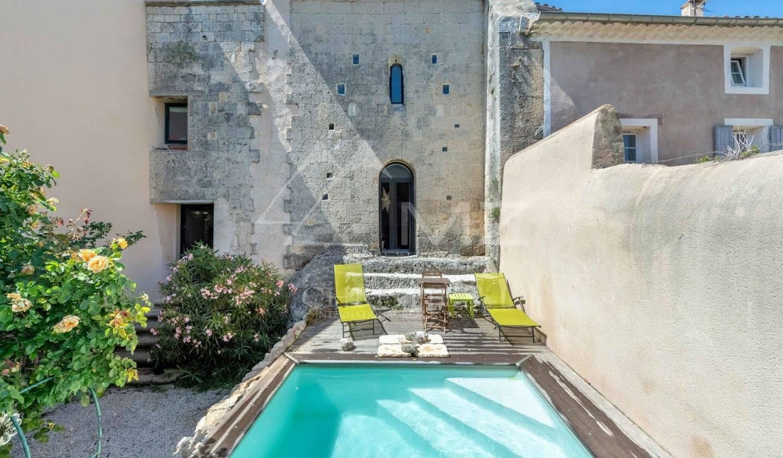 Maison avec piscine et jardin Mallemort