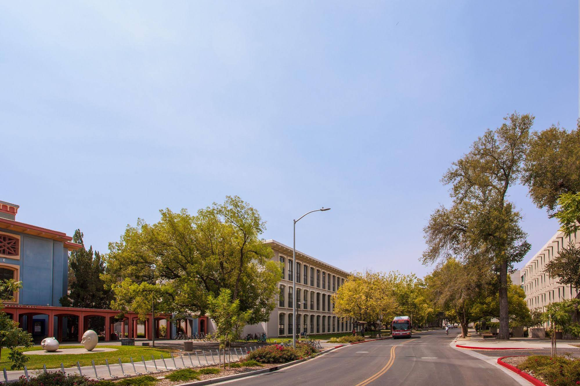 Holiday Inn Express and Suites Davis University Area