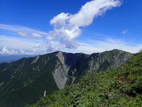 ハイマツ帯から三伏山と烏帽子岳