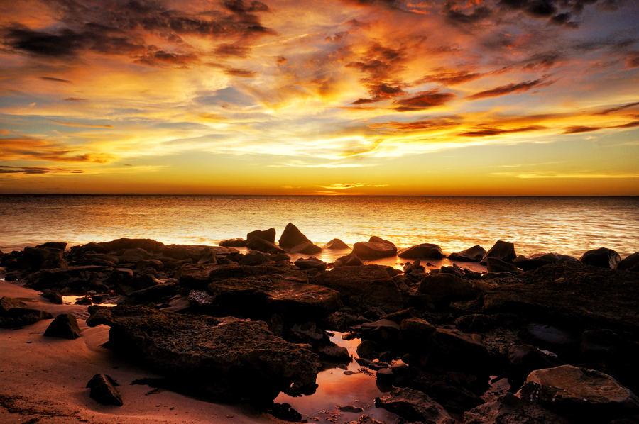 i dont belong here by A Remember - Landscapes Weather ( nex5n, labuan )