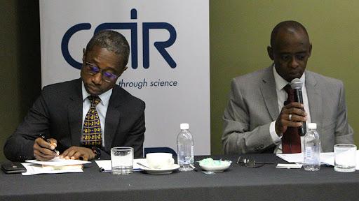 CSIR board chairman professor Thokozani Majozi (left) and CSIR CEO Dr Thulani Dlamini.
