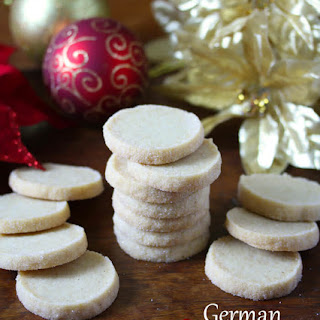 Heidesand (Traditional German Browned Butter Shortbread Cookies).