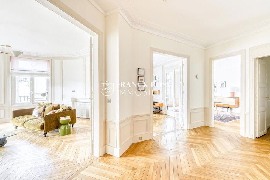 Location meublée appartement 6 pièces 144 m² à Neuilly-sur-Seine (92200), 5 400 €
