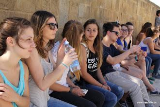 Photo: 30.05.2015.- Visita alumnado Lycée René Cassin de Bayona. Un poco de sombra antes de continuar.
