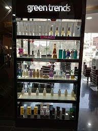 Green Trends-Unisex Hair And Style Salon photo 1