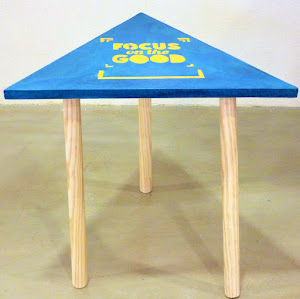table-beton-cire-triangulaire-junny
