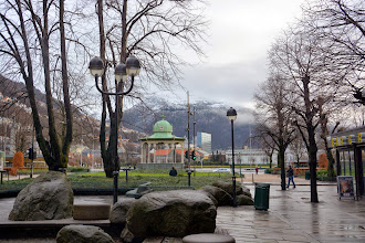 Photo: We arrive in Bergen and walk around the city center before heading to the cruise terminal