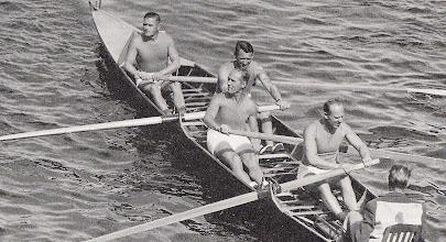 Photo: 1950-erne. Kong Frederik (2-pladsen) på rotur i DSR-båd.
