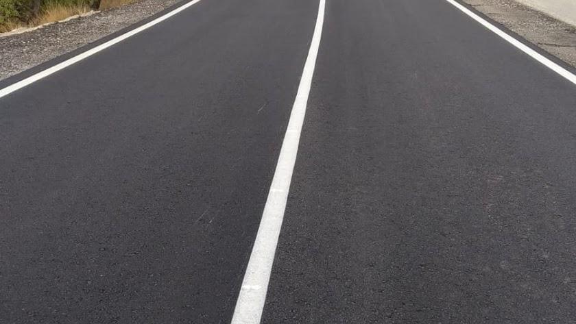Esta de la carretera tras la renovación del firme y el ensanchamiento.