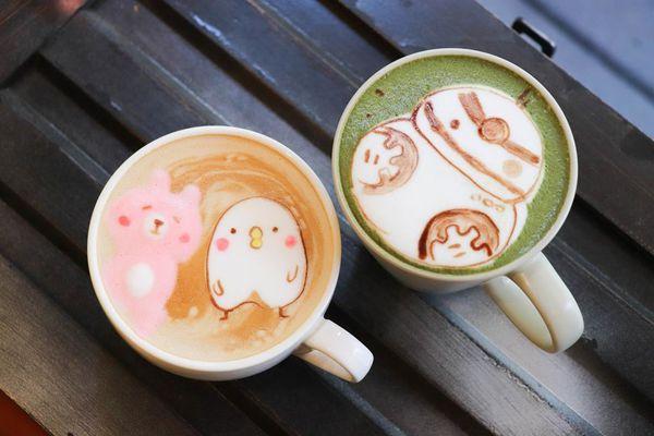 早午餐甜點店│A WEEK│二訪愛店吃冬季限定草莓鬆餅,還有超萌的卡通拉花卡通甜點,尖叫!!!!!