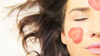 Los parabenos o parabenes son unos conservantes ampliamente utilizados en cosméticos.