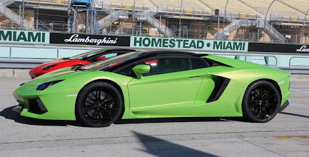 Photo: The new Aventador Roadster is powered by a monster 6.5-litre V12 developing 522kW (700hp) and 689Nm of torque.