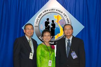 Photo: Ban Mỹ Thuật & Chụp Hình: từ trái: Lê Truật – Quách HuệAnh – Nguyễn Toàn