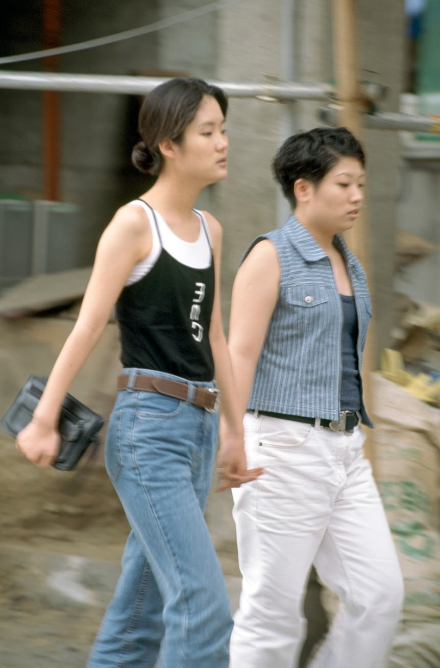 18 Forgotten Fashion Trends All '90s Koreans Were Obsessed ...