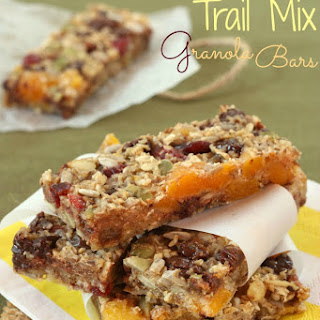 Chewy Trail Mix Granola Bars
