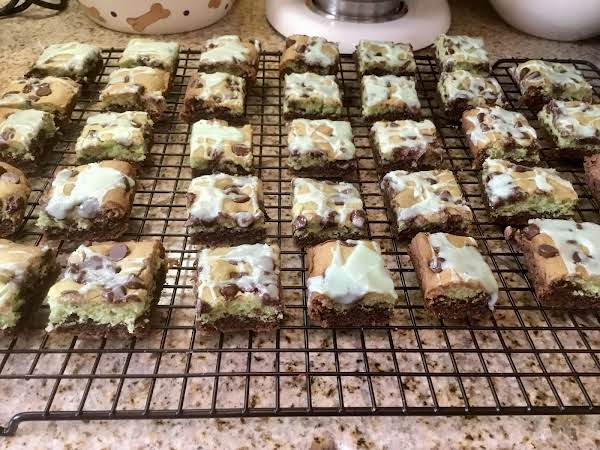 Mint Chocolate Chip Bars Are Perfect For A St Patty's Day Celebration.