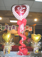 """Photo: 21"""" Tube of treats & mugs of treats with balloon"""