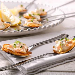Miniflensjes Met Crème Van Gerookte Zalm En Citroen