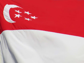 Photo: Flag of Singapore