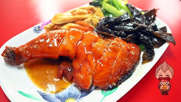 詹記香港燒臘大排檔 幾十年燒臘功夫了得 叉燒燒鴨油雞蜜汁雞腿三寶飯通通都是招牌