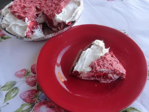 """Layered Red Velvet Cheesecake Pie """"This one will be a big hit..."""