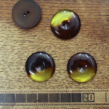 Stor Knapp 27mm - brun/gul