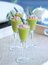 Photo: Velouté de espárragos con virutas de jamón/http://www.cocinapretaporter.com/veloute-de-esparragos-trigueros-con-virutas-de-jamon/MARIA CUADRADO/KUKI SQUARE/Española/CANON EOS 500D