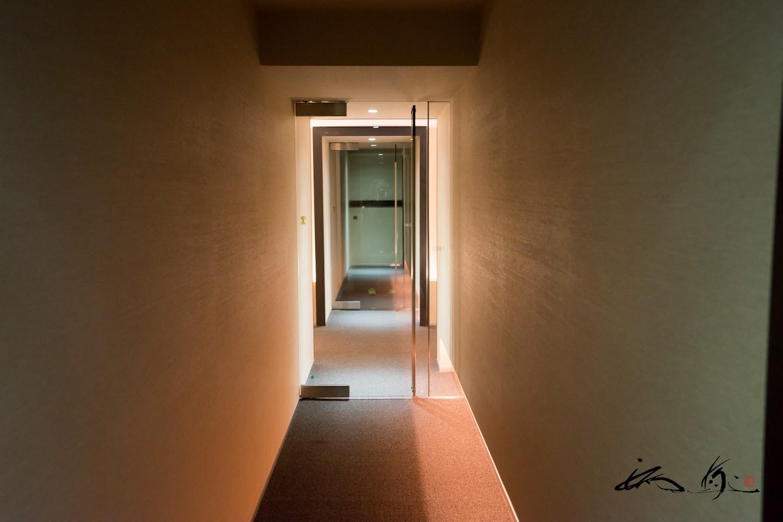 ルーム入り口内廊下