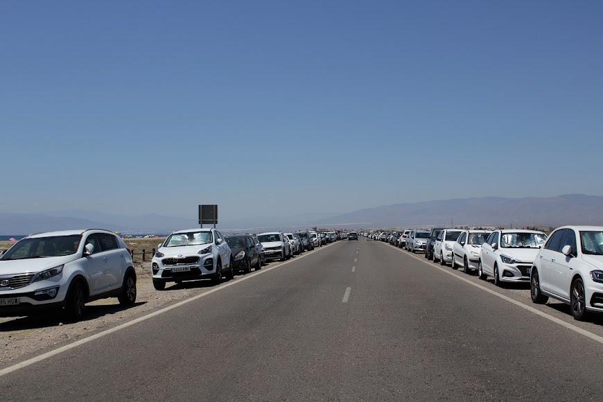 Aspecto de la carretera de las Salinas en la jornada matinal del domingo.