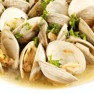 Steamed Clams in Lemon-Garlic Broth