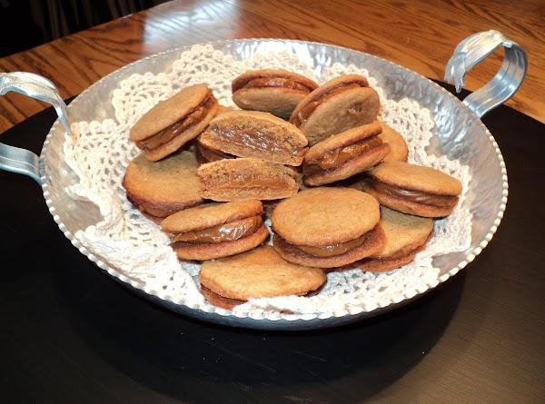 Dulce De Leche (caramel) Sandwich Cookies Recipe