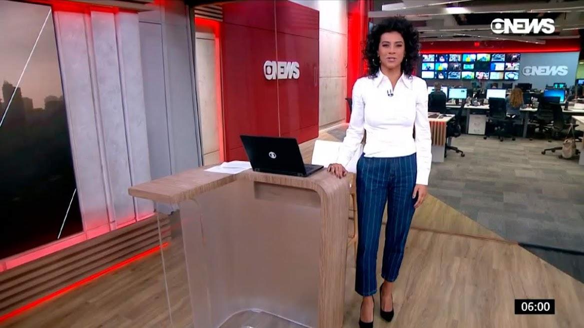 Aline Midlej apresentando o 'GloboNews Em Ponto' desta segunda-feira (22)