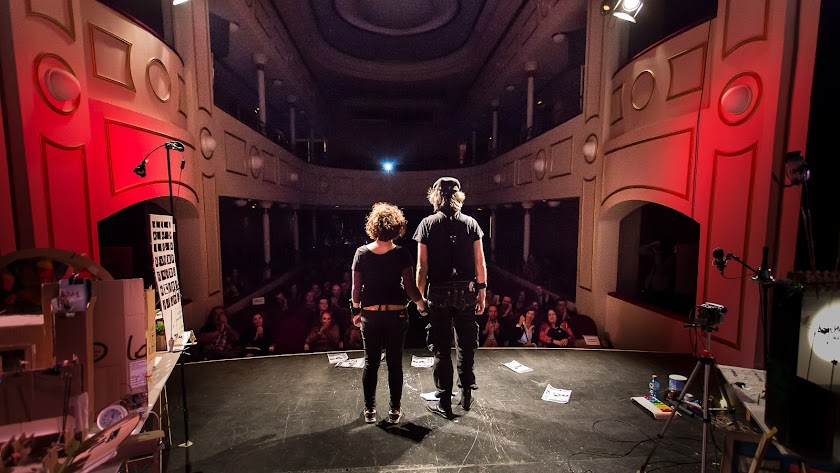 El colectivo 'Cinema Sticado' tras presentar su vanguardista propuesta. Foto: Álvaro Guidet