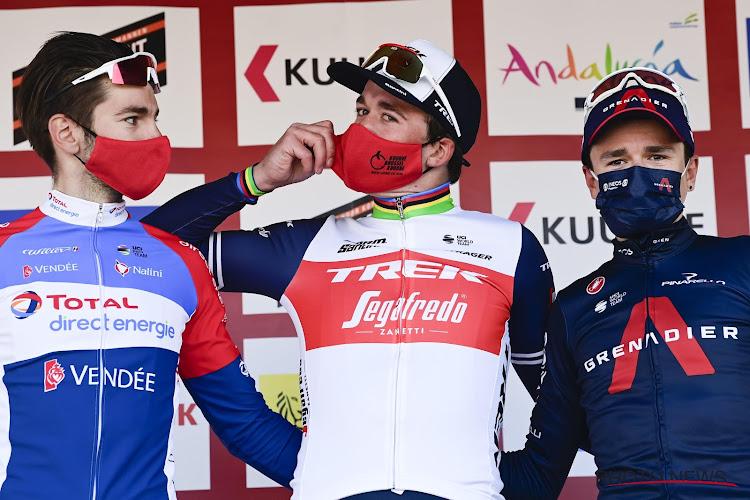 """Ook wielrennen zit met knuffelende sporters: """"Hopelijk komt het niet tot boetes"""""""