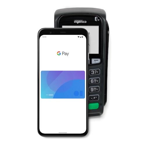 Ein Smartphone, auf dem Google Pay zu sehen ist