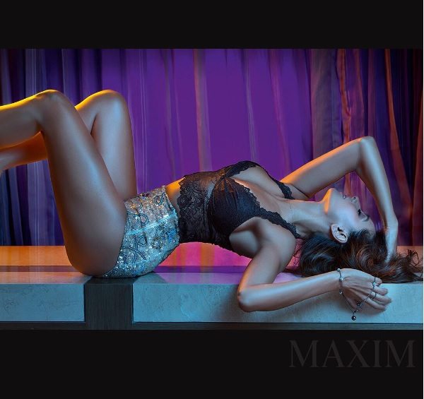 Shibani Dandekar hot thighs, Shibani Dandekar sexy legs, Shibani Dandekar hot wallpaper