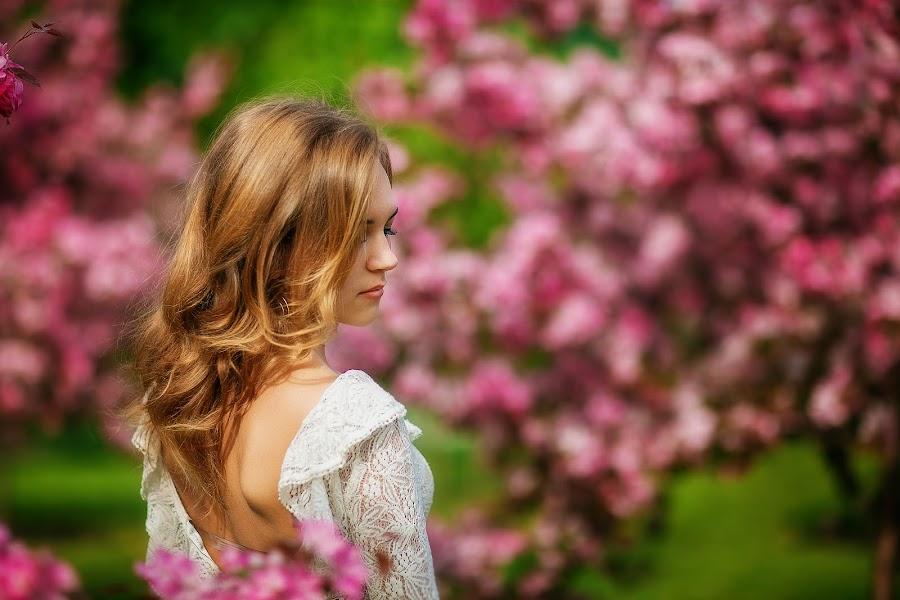 Wedding photographer Galina Arsenova (fotojunior). Photo of 20.05.2014