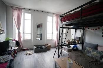 Studio 27,28 m2