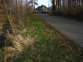 Photo: Docieramy do Pielgrzymowa, miejscowości która kojarzy mi się z Nowym Łupkowem. Tutaj faktycznie jest koniec świata. Droga się kończy, opuszczone i zrujnowane gospodarstwa świadczą,  że osada się wyludnia a do najbliższego sklepu najlepiej udać się do Czech ...