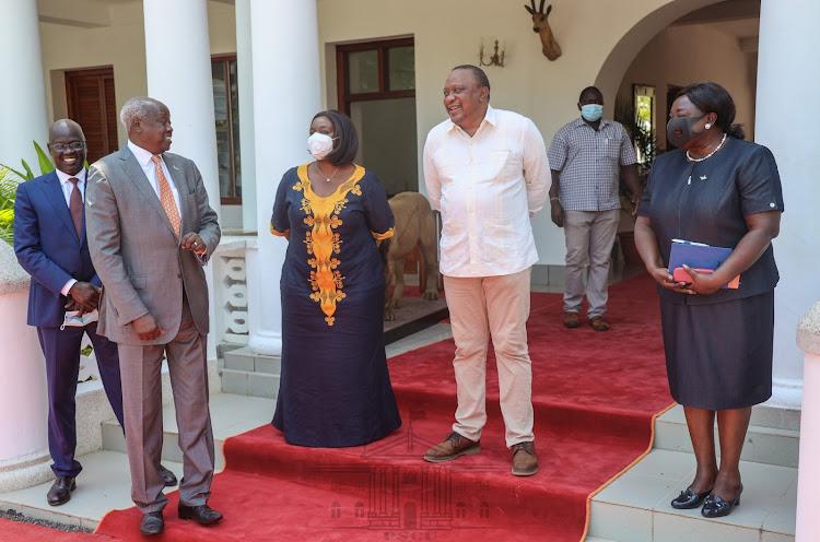 President Uhuru Kenyatta on Monday morning received special envoys of South Sudan President Salva Kiir at State House, Mombasa.