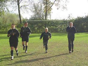 Photo: 2005 warmlopen voor Vuren 1 - Asperen 1 vlnr Gerben v Eck - Pascal Heijkoop - Casper Colenbrander - Kevin Meerens