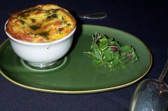 Zdjęcie: Seafood souffle - Suflet z owocami morza (fot. stu_spivack - https://www.flickr.com/photos/stuart_spivack/)