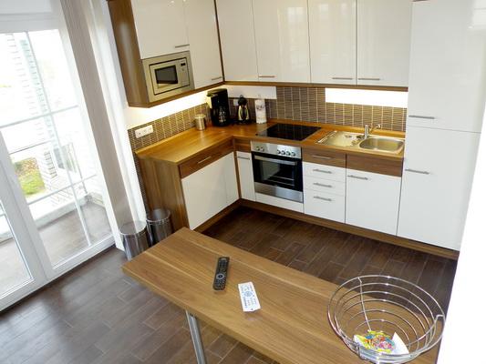 Küche und Tresen